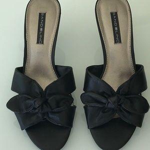 New Bandolino Black Shoes